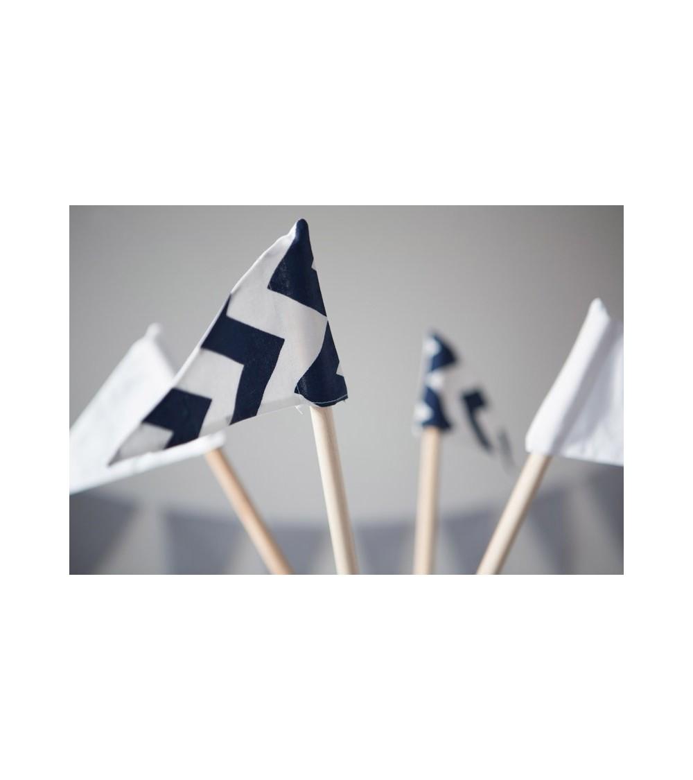 Deciji sator vigvam sa zastavicama popust