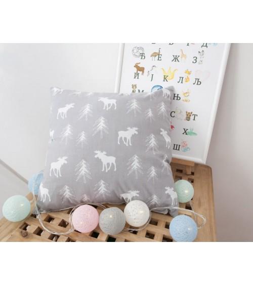 Ukrasni jastucici za deciju sobu Vigvamija